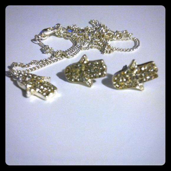 hamsa hand necklace lauren conrad