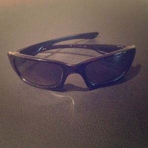 Reduced! Men's Oakley Sunglasses
