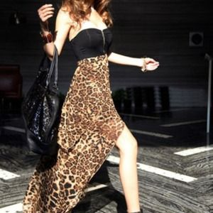 Dresses & Skirts - Sexy leopard print dress