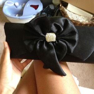 Clutches & Wallets - Beautiful Clutch w| Removable Shoulder Chain NWOT