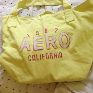Handbags - PRICE CUT Huge Aeropostale Tote