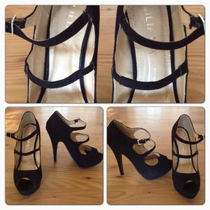 Shoes - Liliana Black Strappy Heels, Size 6