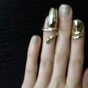 Bjules nail gold ring