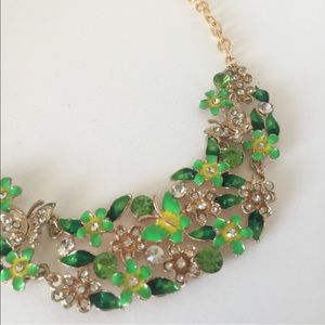 NEW Green Floral Statement Necklace
