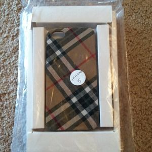 Accessories - Faux Burberry iPhone 5 case.
