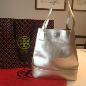 New Tory Burch Michelle metallic Leather Tote