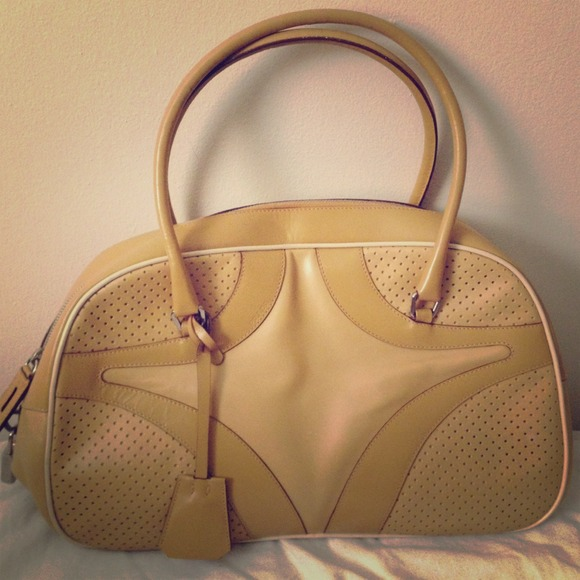 06751948766a Authentic Vintage Prada Tan Bowling Bag Used. M 51d0625220b85f02de022ad6