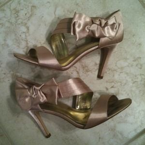 Shoes - Bow Heels