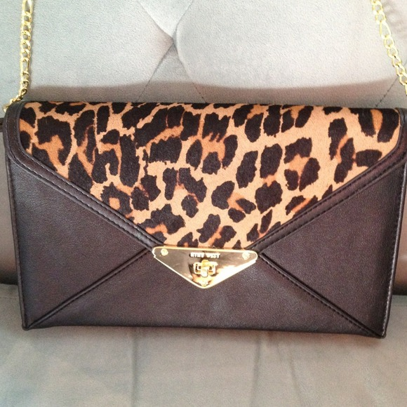 06b8bd1c7fe4 Nine West Animal Print Handbag. Host Pick!!