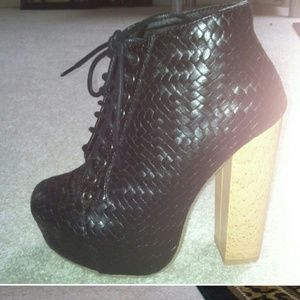 shoedazzle  Shoes - NEVER WORN LACE BOOTIES