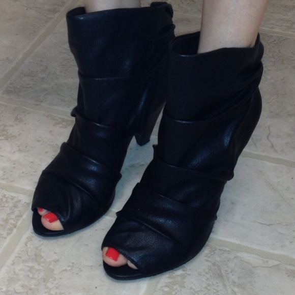 bddf7c582e6 Jessica Simpson Boots - Black peep toe booties 8 1 2 by Jessica Simpson