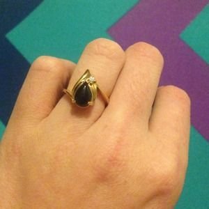 Jewelry - -Vintage-Grandmothers statement ring