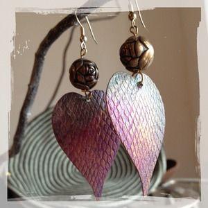 CLOSING SALE Ombré Hearts/Antique Flower Earrings