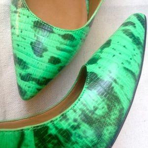 Ann Taylor Shoes - Ann Taylor Emerald Snake Heels Sz 9.5