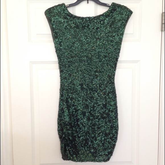 66% off Alice   Olivia Dresses & Skirts - Alice & Olivia green ...