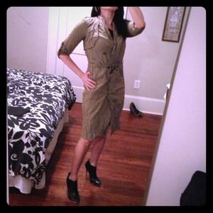 Nicole Miller Collection Dresses & Skirts - 🎉HP!🎉 Nicole Miller Collection 🚖metallic trench