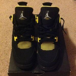 3cf545e41 Nike Shoes - Jordan retro 4 thunders size 6