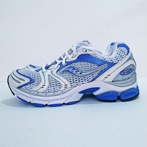 Brand NEW Saucony Progrid Triumph 4 Running Shoes