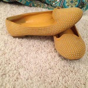 Shoe dazzle gold studded flats