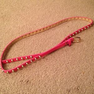 💢REDUCED AGAIN💢 Pink belt with gold studs