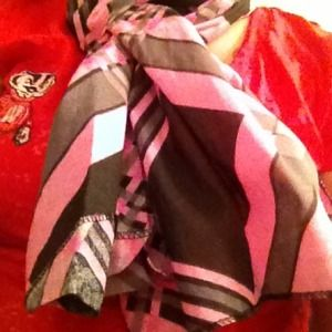 💢REDUCED AGAIN💢 Plaid Patterned Scarf