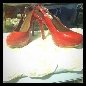 Red patent high heels 👠👠