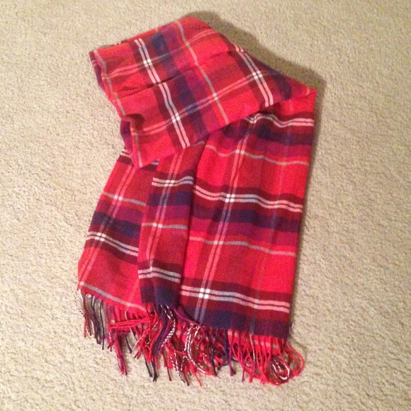 Old Navy Red Plaid Scarf Old Navy Plaid Scarf❤ 3