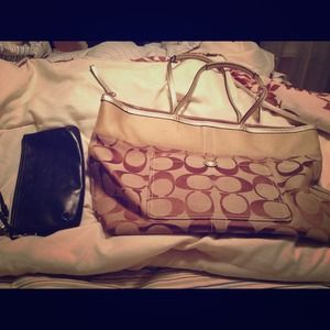 Coach Large Signature Tote & Large Leather Clutch