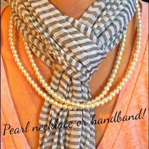Beautiful pearl necklace that converts to handband
