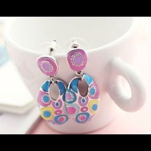 Multicolor bohemian design earrings