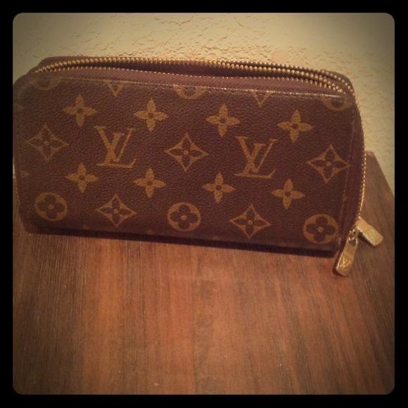 super popolare 61995 6f357 Louis Vuitton double zippy wallet