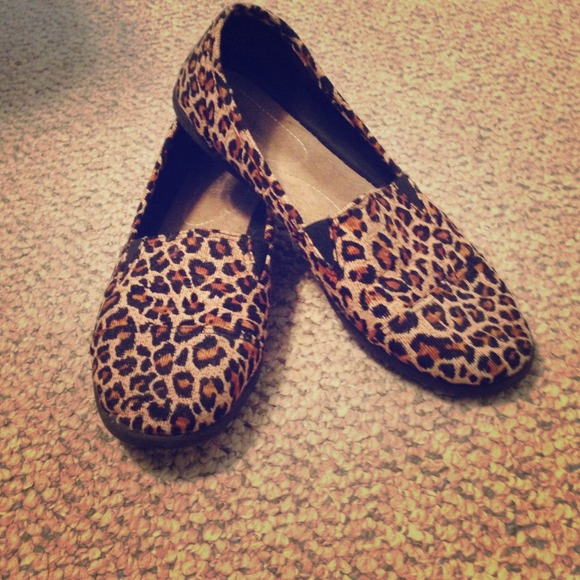 Toms Shoes   Cheetah Print Shoes   Poshmark