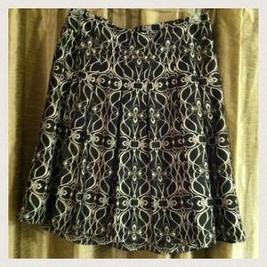 Dresses & Skirts - DONATED Black with cream print skirt