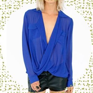 New Green twist front blouse hi-low *Host Pick*