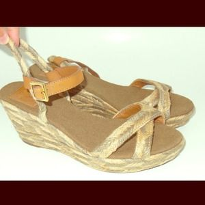 ReducedTory Burch wedges sandals beige and tan 9