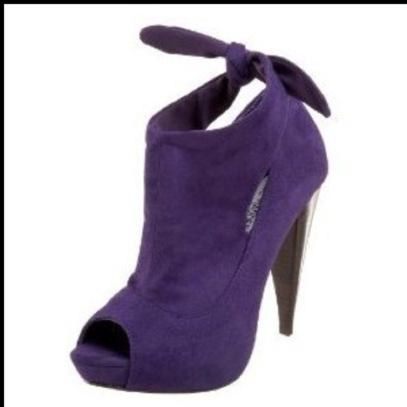 66% off Steve Madden Shoes - 🎉STEVE MADDEN PURPLE ANKLE BOOTS ...