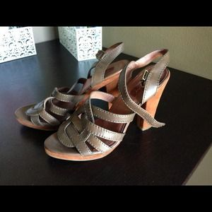 7 for all mankind brown leather platform heels