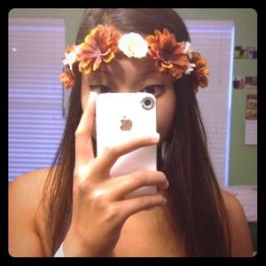 FLOWER CROWN 