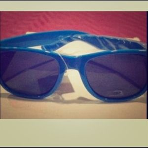 Other - 💰SALE💰🔵👓Brand new blue unisex sunglasses