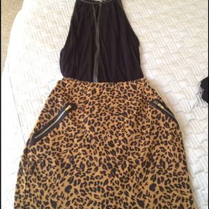 Leopard mini skirt with gold zippers