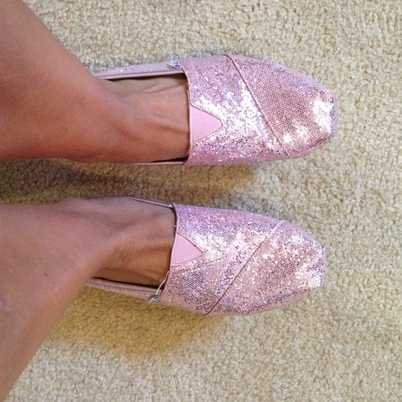 Worn Once Toms Size 7 Pink Glitter Shoe