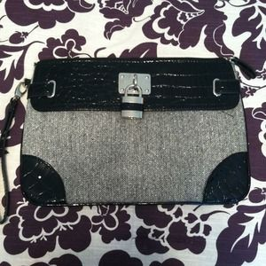 New York & Company wristlet/clutch