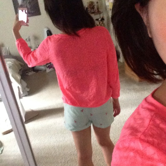 75% off H&M Tops - Neon pink top sweater from Shinyoung's closet ...