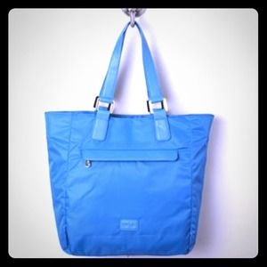 Awesome Blue/teal  Nylon Tote 🎀 SALE 🎀