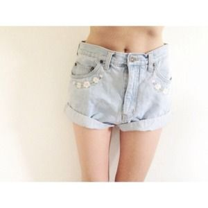 vintage Denim - Super rad vintage boho floral high waisted shorts