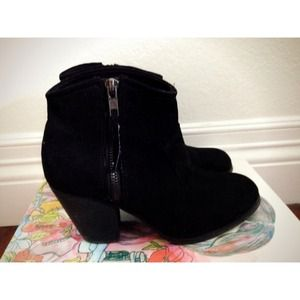 Forever 21 black ankle boots🚫hold🚫