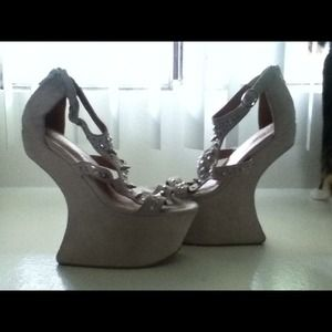 Jeffrey Campbell Contain Nude Heel Less Shoes