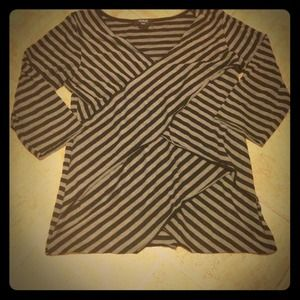 "$5- ""Verve"" Quarter Sleeved Striped Top"