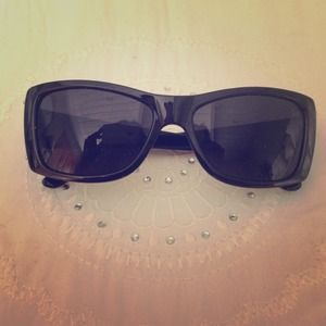 Black sunglasses 