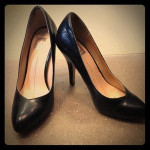 SOLDDV by Dolce Vita black pumps